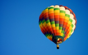 hot-air-balloon-blue-sky-sports_2560x1600